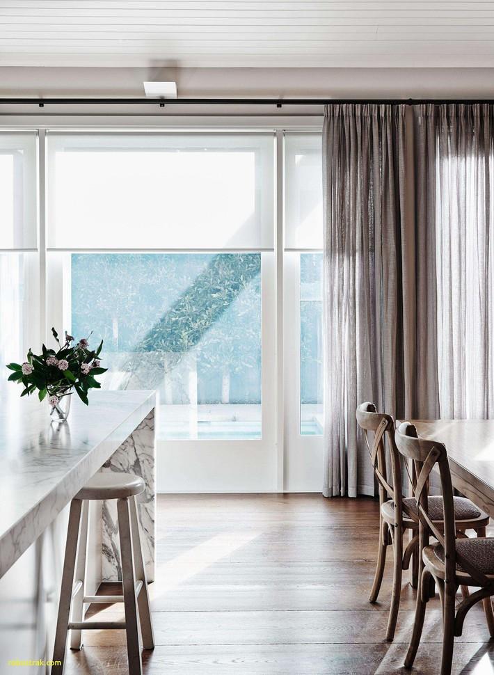 Nhà phố hiện đại với 2 mẫu thiết kế cửa sổ đang thịnh hành, mẫu thứ hai đặc biệt phù hợp với những ngôi nhà chật hẹp - Ảnh 5.
