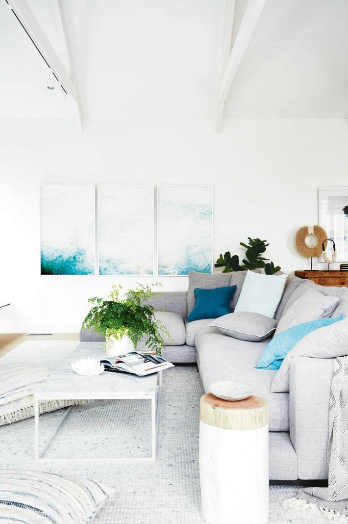 Mùa hè tới rồi, ngại ngần gì mà không thử đem cả biển xanh vào trang trí phòng khách nhà mình cho mát mẻ - Ảnh 7.