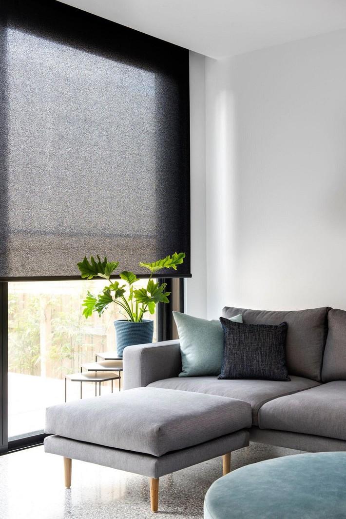 Nhà phố hiện đại với 2 mẫu thiết kế cửa sổ đang thịnh hành, mẫu thứ hai đặc biệt phù hợp với những ngôi nhà chật hẹp - Ảnh 7.