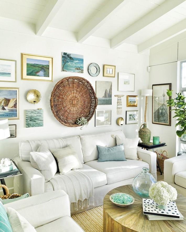 Mùa hè tới rồi, ngại ngần gì mà không thử đem cả biển xanh vào trang trí phòng khách nhà mình cho mát mẻ - Ảnh 8.