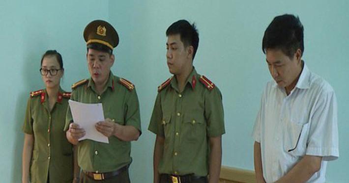 Lãnh đạo có con được nâng điểm ở Sơn La, Hà Giang: Không biết, bức xúc, bất ngờ - Ảnh 1.