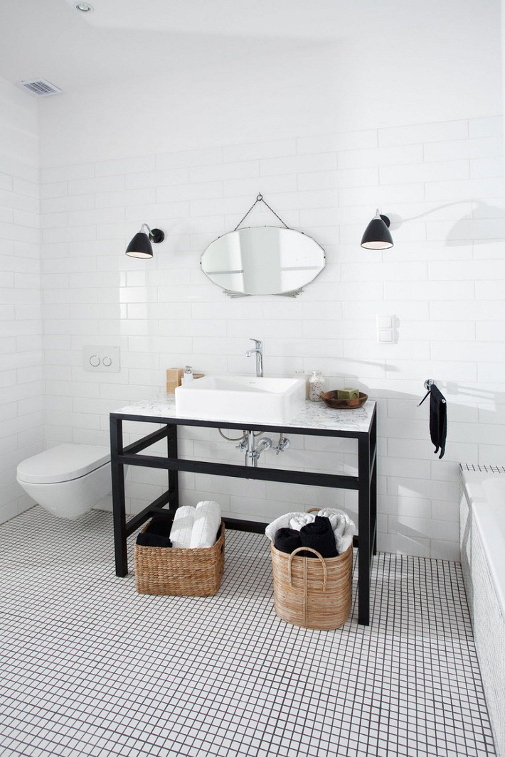 Những mẫu nhà tắm đen – trắng ấn tượng chưa từng lỗi mốt - Ảnh 3.