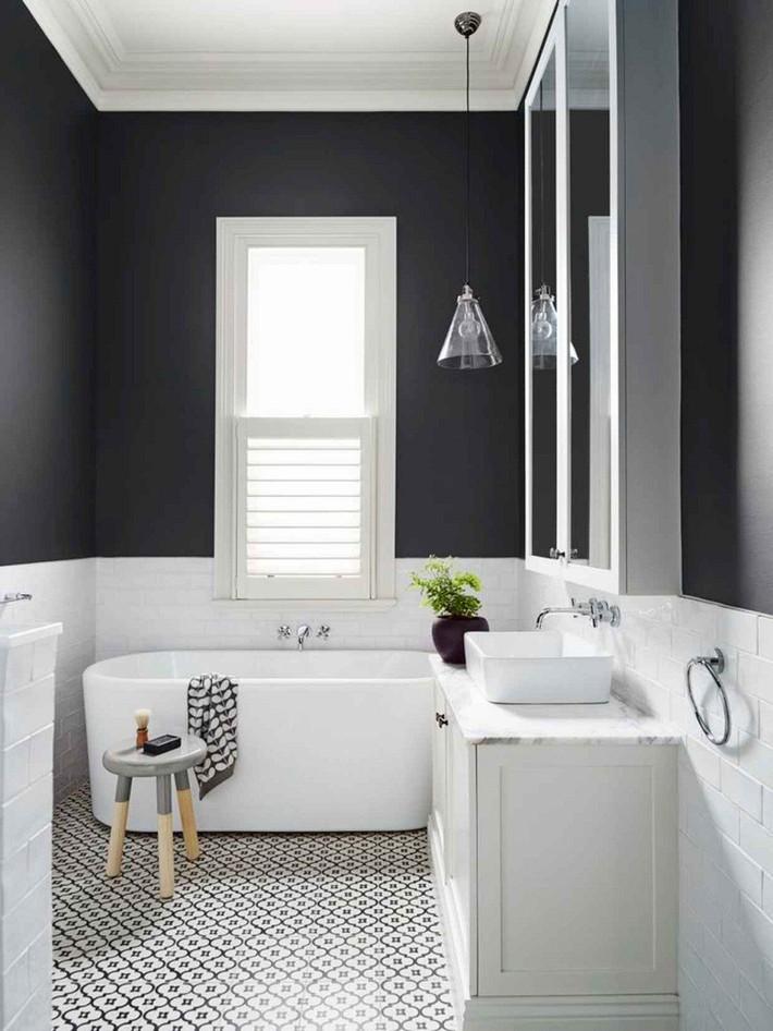 Những mẫu nhà tắm đen – trắng ấn tượng chưa từng lỗi mốt - Ảnh 4.