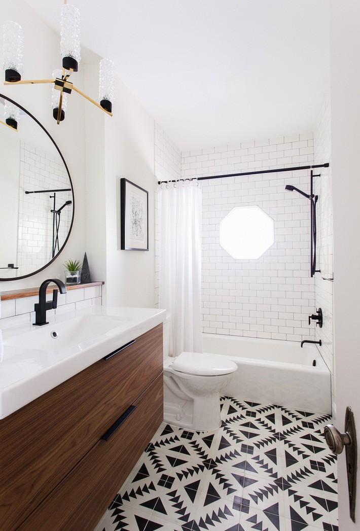 Những mẫu nhà tắm đen – trắng ấn tượng chưa từng lỗi mốt - Ảnh 7.