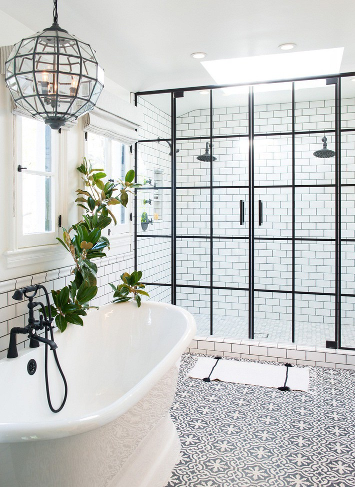 Những mẫu nhà tắm đen – trắng ấn tượng chưa từng lỗi mốt - Ảnh 8.