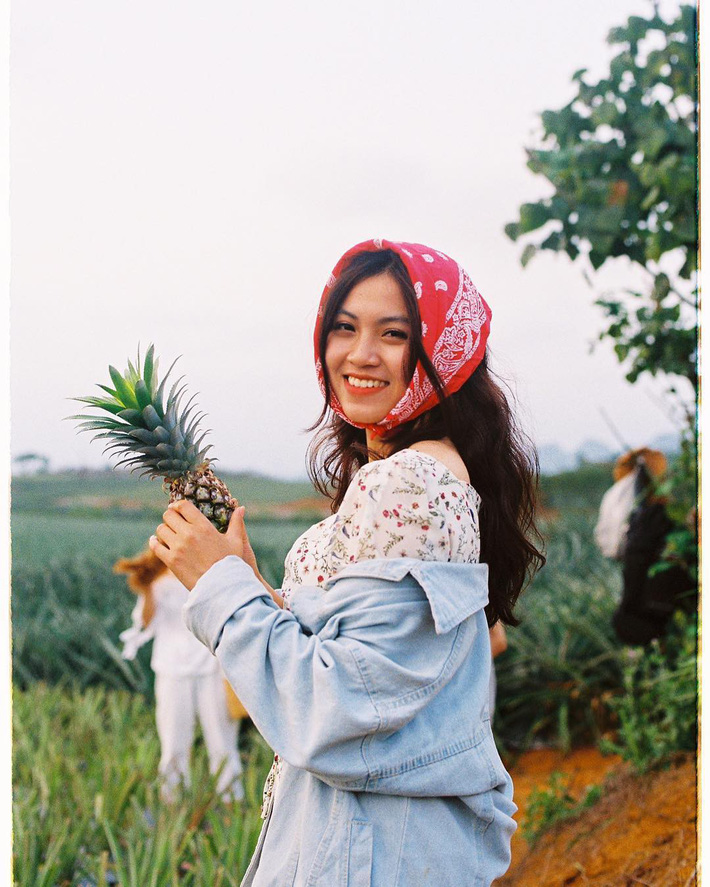Đồi dứa xanh không xa Hà Nội thích hợp cho nhiều gia đình đi du lịch dịp lễ tới: Nhiều góc sống ảo, dứa ngọt lịm tim - Ảnh 13.