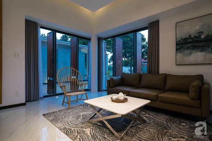 Đồng Nai: Ngôi nhà vườn ở ngoại ô xanh tươi, trong lành với cây cối tỏa bóng nắng quanh nhà - Ảnh 7.
