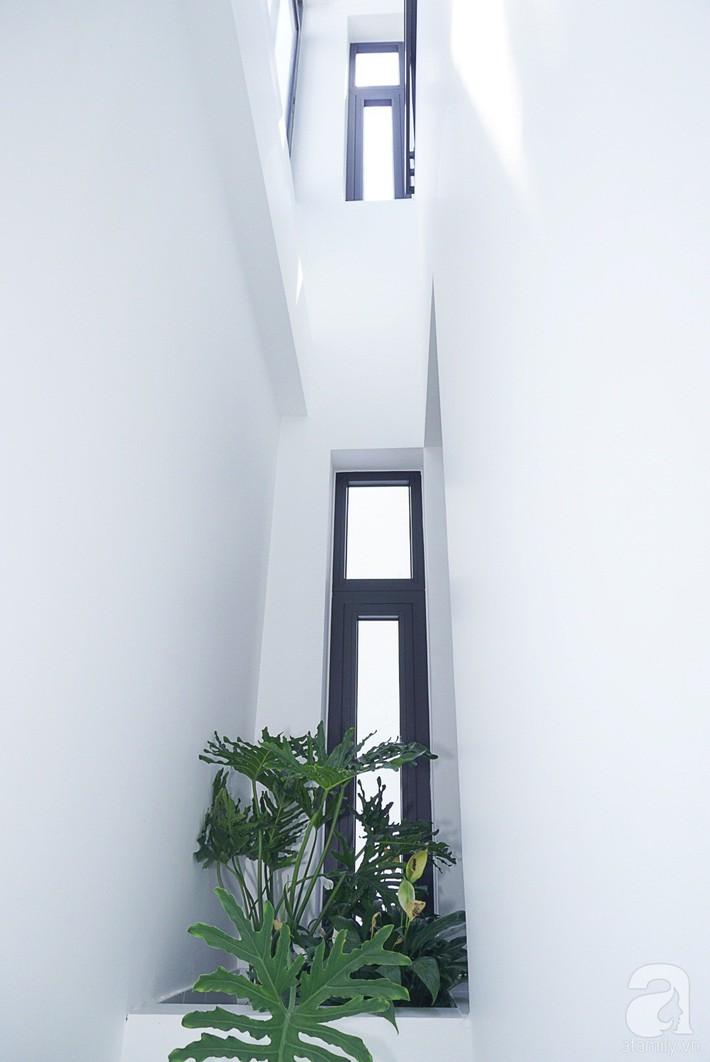 Nhà phố 40m², chiều ngang chỉ 1,8m vẫn đẹp mê hoặc cho gia đình 3 thế hệ sinh sống ở Sài Gòn - Ảnh 16.