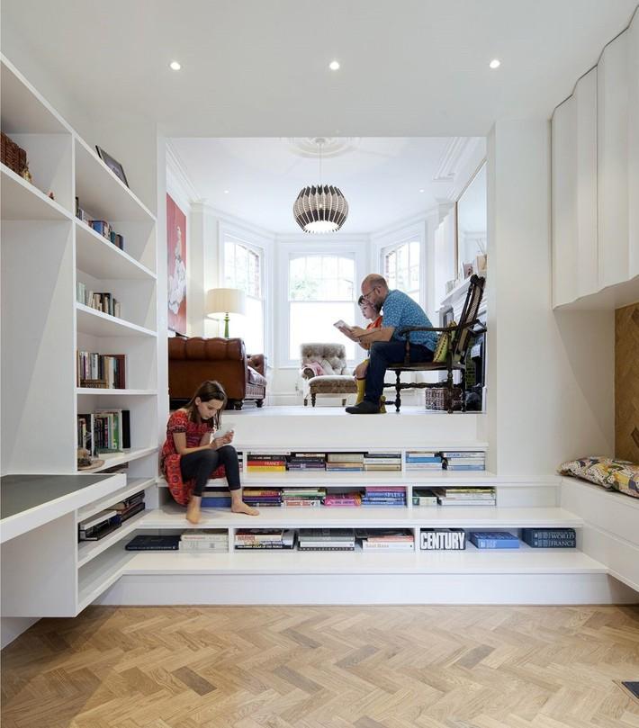 Tận dụng cầu thang thành tủ sách đang trở thành xu hướng, có thiết kế khiến giới mộ điệu phải ngạc nhiên vì sự hoành tráng đến không tưởng - Ảnh 17.