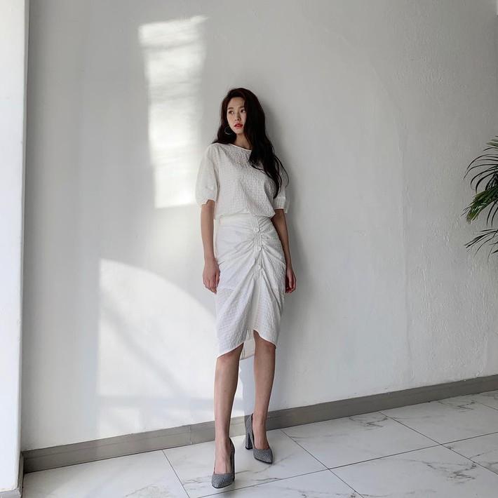 Tiện 1 công ngắm 15 set đồ từ street style Châu Á, các nàng lên luôn danh sách các món cần sắm hè này  - Ảnh 2.