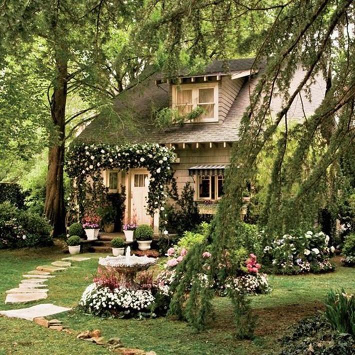 Cuộc sống bình yên, tự tại trong ngôi nhà ngập tràn nắng gió và hương thơm vạn người mơ ước - Ảnh 2.