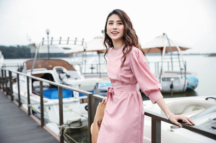 Tháng 4 về gió hát mùa hè, các nàng chờ gì mà chưa xinh tươi với 20 mẫu váy liền từ các thương hiệu Việt - Ảnh 17.