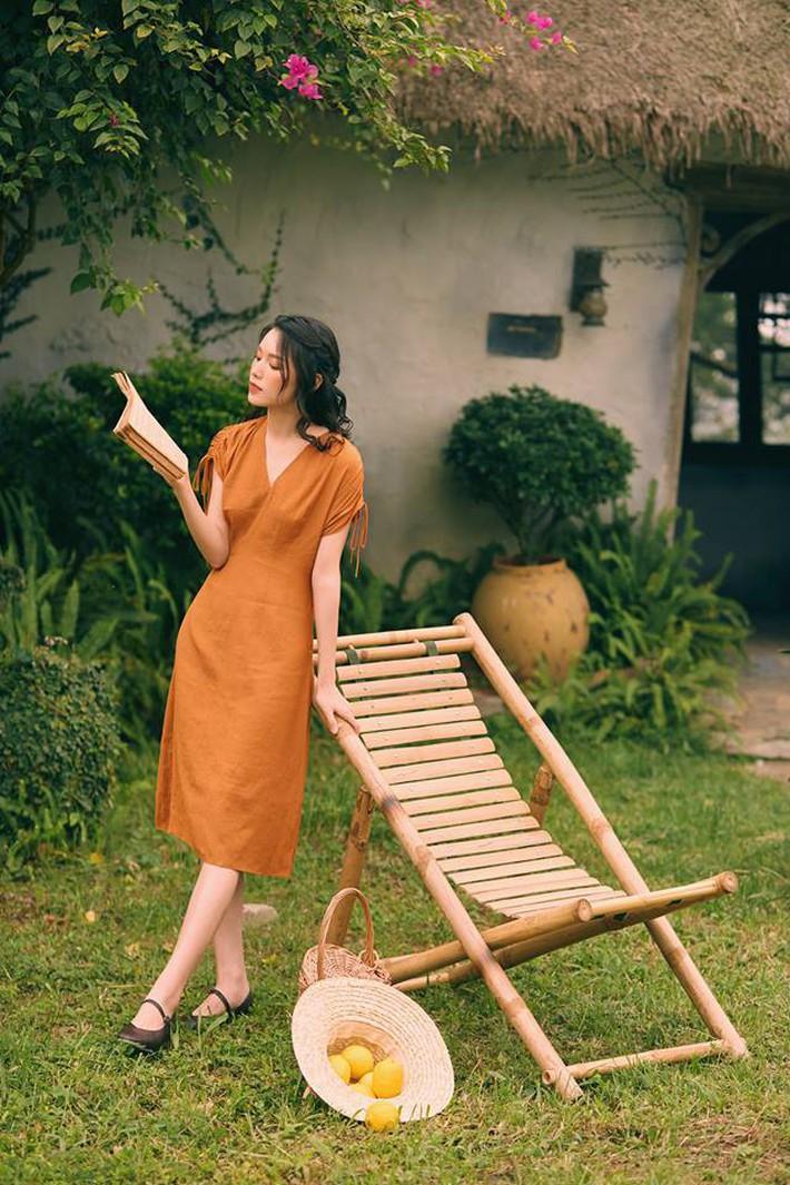 Tháng 4 về gió hát mùa hè, các nàng chờ gì mà chưa xinh tươi với 20 mẫu váy liền từ các thương hiệu Việt - Ảnh 1.