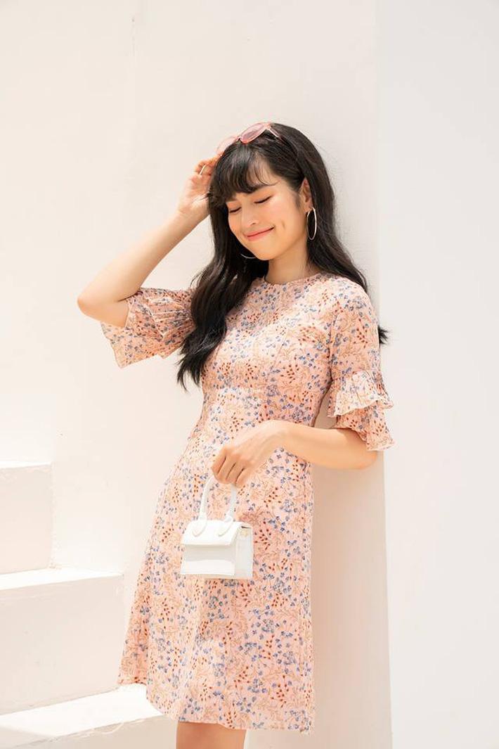 Tháng 4 về gió hát mùa hè, các nàng chờ gì mà chưa xinh tươi với 20 mẫu váy liền từ các thương hiệu Việt - Ảnh 10.