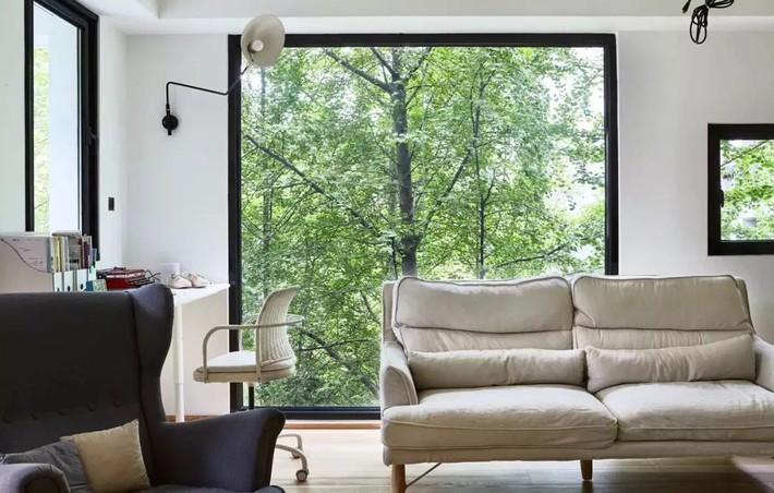 Căn hộ 27m² cũ rích, vừa hẹp vừa dài biến hình thành không gian hiện đại dành cho gia đình 5 người sau cải tạo - Ảnh 4.