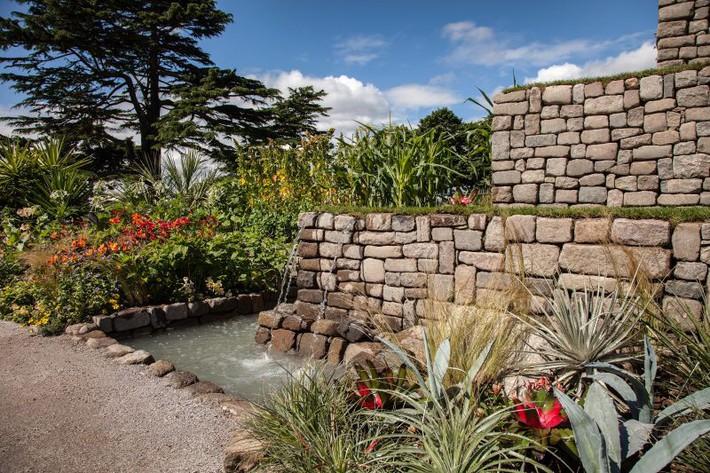 10 gợi ý cần phải biết khi trang trí sân vườn gia đình - Ảnh 7.