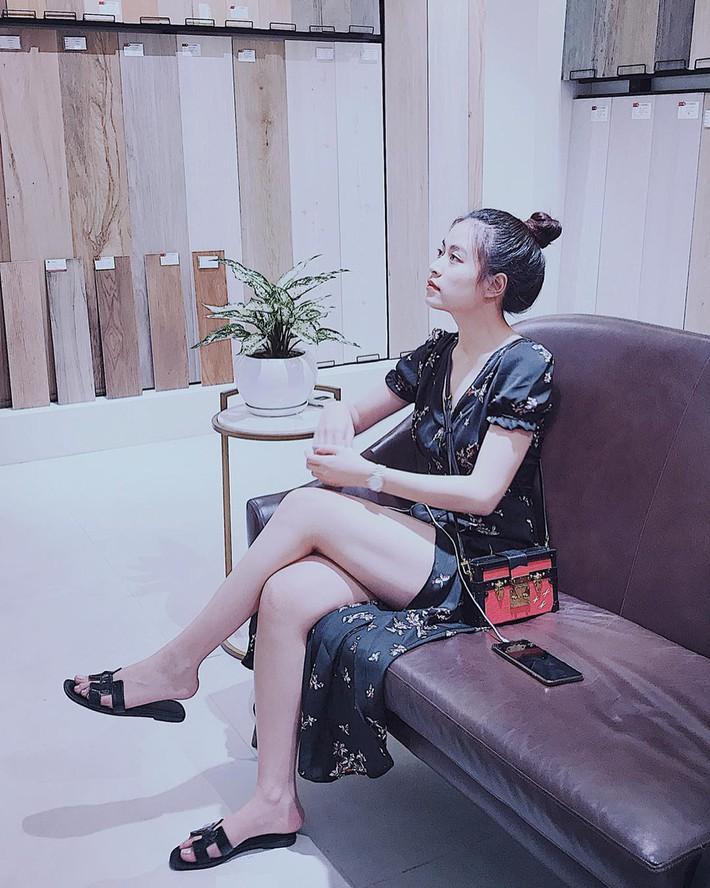 Tiện một công tung tăng diện váy xinh, loạt sao Việt gián tiếp gợi ý cho các chị em những mẫu váy liền đáng sắm nhất trong hè này - Ảnh 9.