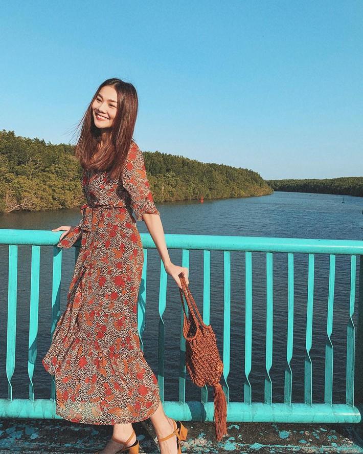 Tiện một công tung tăng diện váy xinh, loạt sao Việt gián tiếp gợi ý cho các chị em những mẫu váy liền đáng sắm nhất trong hè này - Ảnh 4.