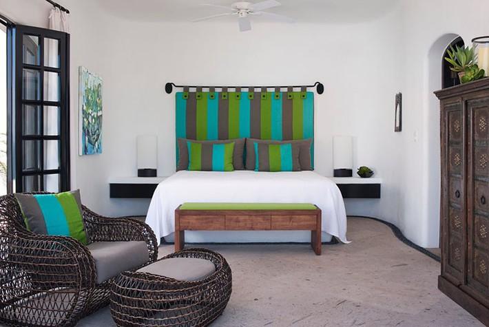 Thiết kế đầu giường big size khiến ai ai cũng thấy thích thú - Ảnh 1.