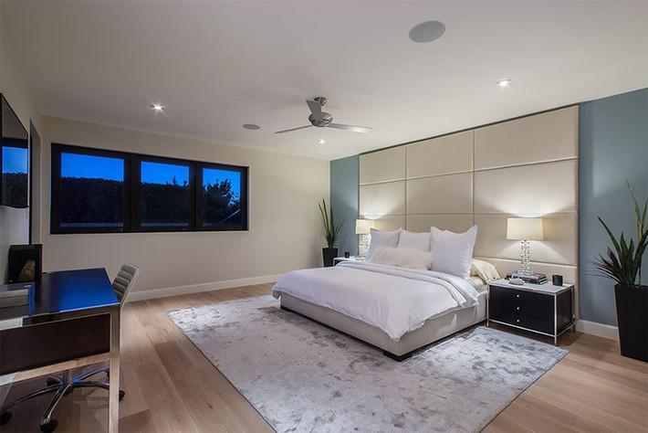 Thiết kế đầu giường big size khiến ai ai cũng thấy thích thú - Ảnh 14.