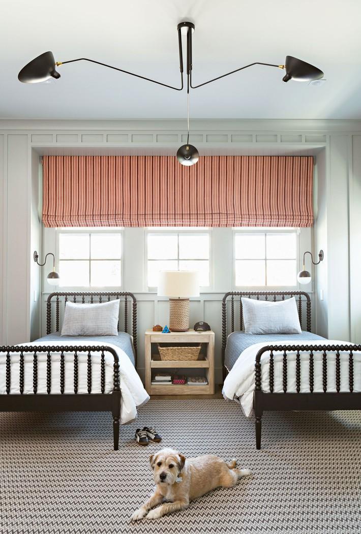 10 thiết kế trang trí phòng ngủ dành cho nhà đông người đẹp tuyệt vời ai nhìn cũng thích mê - Ảnh 1.