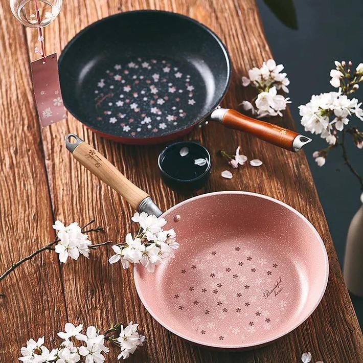 Những phụ kiện, đồ dùng làm bếp đẹp mê ly có thể trở thành món quà ý nghĩa tặng mẹ - Ảnh 1.