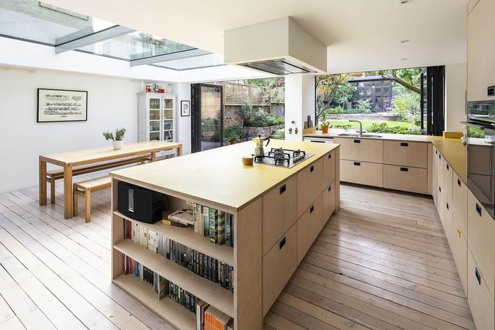 Không cần đập đi xây lại, ngôi nhà đã thay đổi ngoạn mục chỉ nhờ ý tưởng thông minh với kính  - Ảnh 6.
