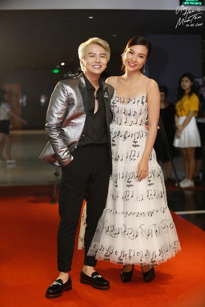 """Diện chung váy với Phạm Quỳnh Anh, Hoàng Oanh rất xinh nhưng vẫn """"mất điểm"""" vì một chi tiết - Ảnh 3."""