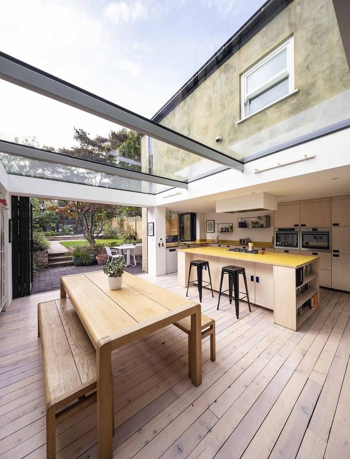 Không cần đập đi xây lại, ngôi nhà đã thay đổi ngoạn mục chỉ nhờ ý tưởng thông minh với kính  - Ảnh 10.