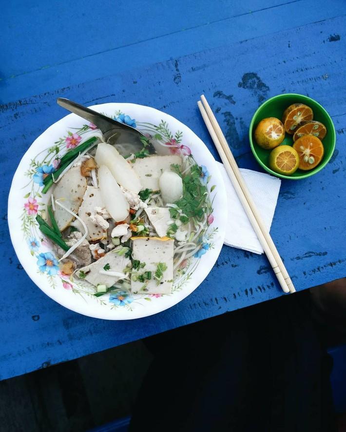 Liên tục được đầu bếp nổi tiếng thế giới khen ngợi, thì ra đây là nguyên do giúp hủ tiếu chợ nổi Cái Răng ngon đến bất ngờ - Ảnh 3.