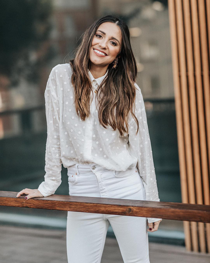 """Hè này áo sơ mi trắng Zara lại gây sốt, dự là hội sành mốt sẽ phải sắm ngay vì quá đẹp """"từ cái nhìn đầu tiên"""" - Ảnh 6."""