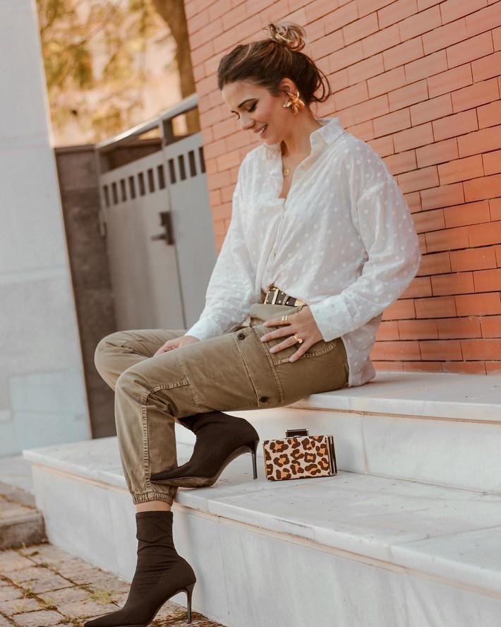 """Hè này áo sơ mi trắng Zara lại gây sốt, dự là hội sành mốt sẽ phải sắm ngay vì quá đẹp """"từ cái nhìn đầu tiên"""" - Ảnh 4."""