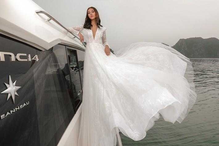 Bạn sẽ muốn nhanh trở thành cô dâu khi ngắm BST váy cưới sắp được NTK Chung Thanh Phong trình làng - Ảnh 4.