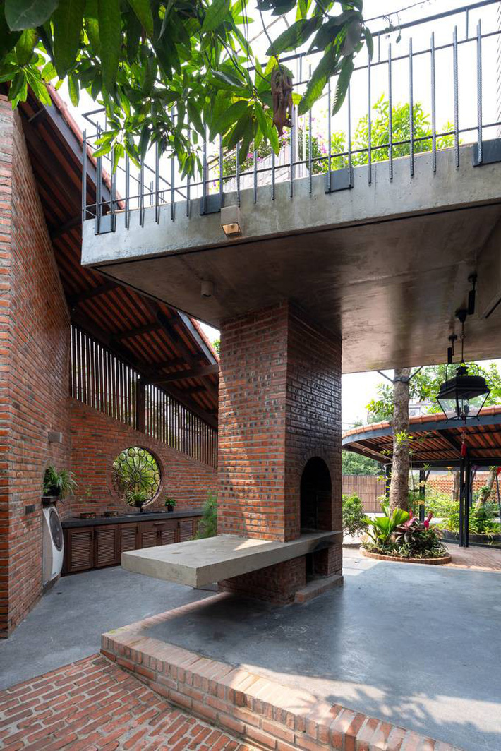 Ngôi nhà ở Đông Anh sở hữu thiết kế như một ngôi làng Bắc bộ vừa đoạt giải vàng Kiến trúc Quốc gia  - Ảnh 6.