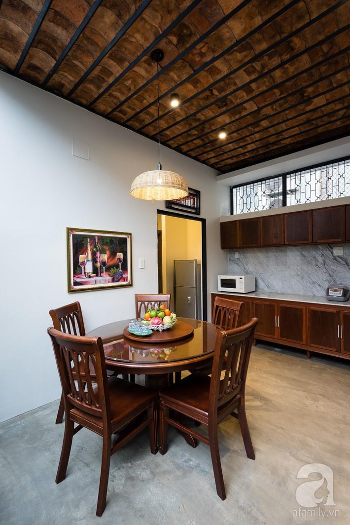 Ngôi nhà có tuổi lột xác thành nhà vườn xanh mát của cặp vợ chồng về hưu ở Vĩnh Long - Ảnh 10.