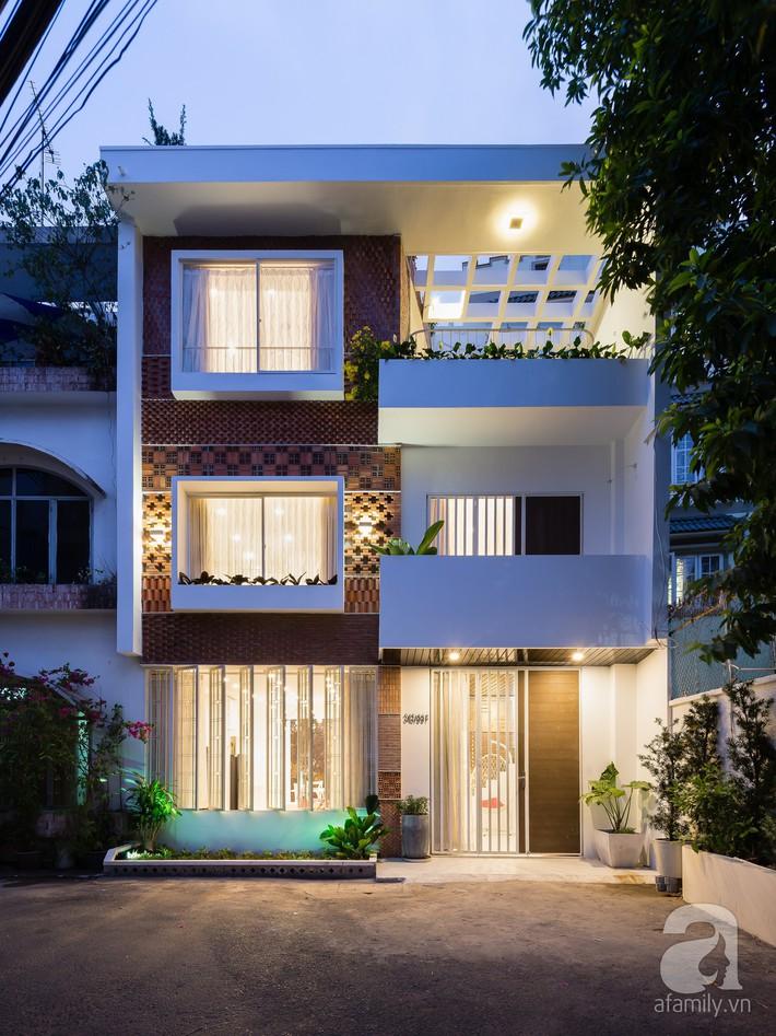 Ngôi nhà phố góc nào cũng có sự khác biệt ở Sài Gòn - Ảnh 1.