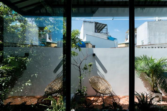 Ngôi nhà tọa lạc tại góc khuất trong con hẻm nhỏ đẹp ấn tượng với điểm nhấn từ gạch trần và cây xanh ở quận Phú Nhuận, TP. HCM - Ảnh 11.