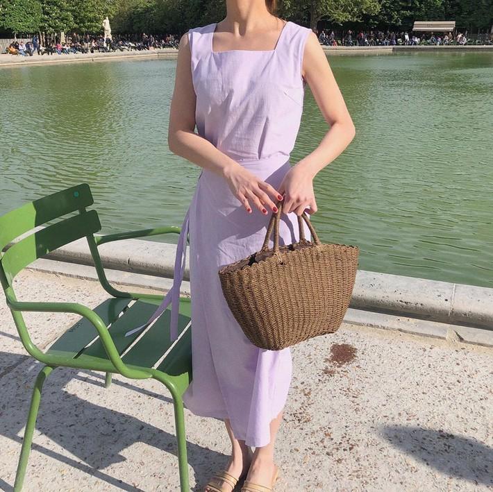 Việc lên đồ ngày nóng chẳng còn là cực hình với 10 gợi ý váy vóc max xinh và mát rười rượi này - Ảnh 4.