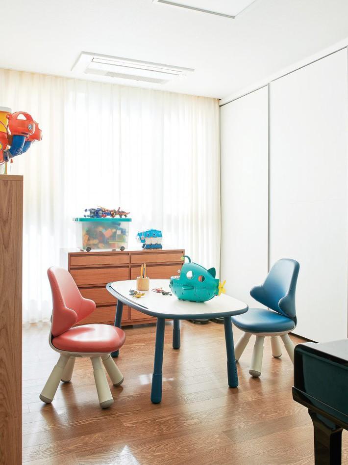 Căn hộ nhỏ xinh đẹp của bà mẹ Hàn đơn thân làm trong ngành thiết kế thời trang - Ảnh 8.
