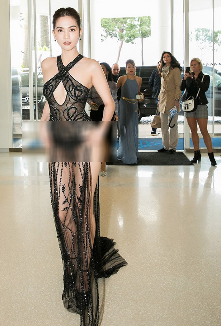 Tiết lộ gây shock từ NTK Đỗ Long: Ngọc Trinh hoàn toàn không mặc nội y trong bộ đồ hở bạo tại Cannes - Ảnh 1.