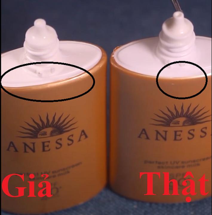 Có 7.350 chai kem chống nắng Anessa bị làm giả, để không tiền mất tật mang các chị em cần nhớ 2 cách phân biệt này  - Ảnh 2.