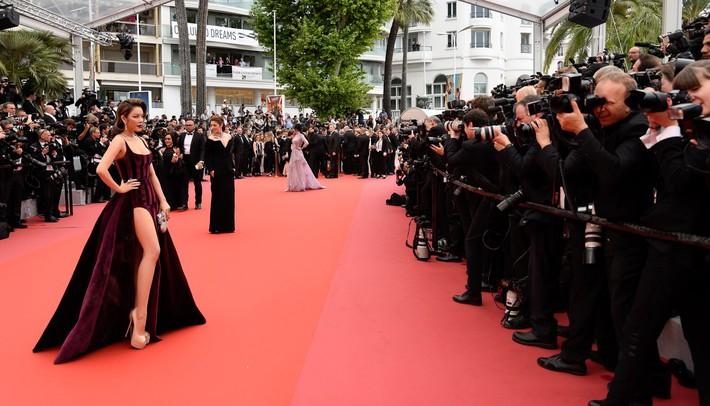"""Lý Nhã Kỳ khẳng định: """"Lựa chọn trang phục ở Cannes là cách nhận biết ngôi sao và khán giả vô danh"""" - Ảnh 2."""