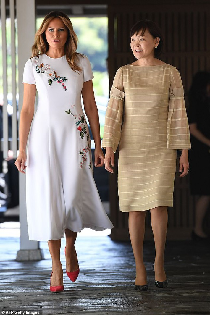 Bà Melania Trump diện đầm trăm triệu thời thượng, đối lập hoàn toàn với Hoàng hậu Masako và Đệ nhất phu nhân Aki Abe - Ảnh 5.