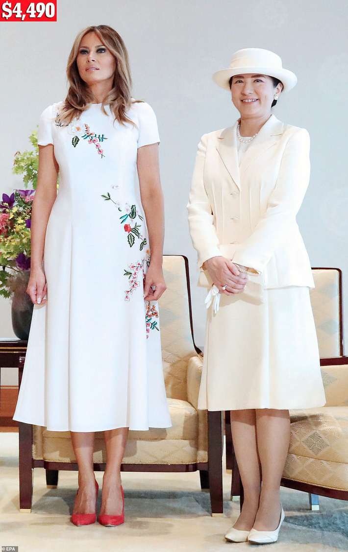 Bà Melania Trump chi gần nửa tỷ đồng trang phục cho chuyến thăm Nhật Bản 4 ngày, biến hóa từ sành điệu đến quý phái - Ảnh 5.