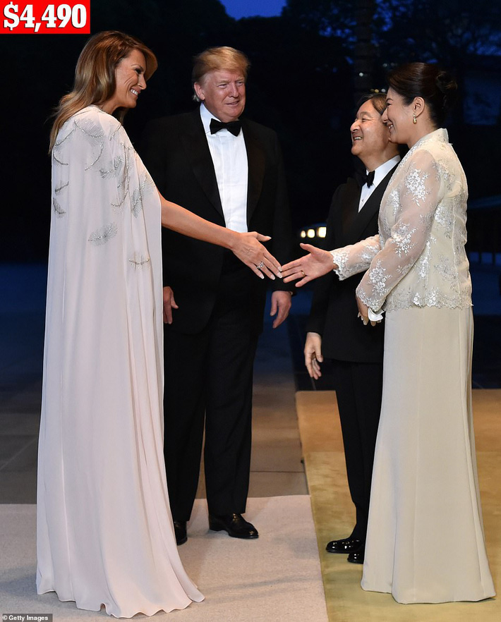 Bà Melania Trump chi gần nửa tỷ đồng trang phục cho chuyến thăm Nhật Bản 4 ngày, biến hóa từ sành điệu đến quý phái - Ảnh 6.