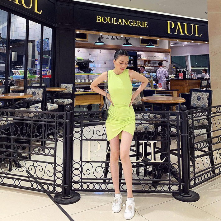 Sau màn xuyên thấu táo bạo, Ngọc Trinh xuống phố với áo phông đọ sắc với bà bầu xinh xắn Diệp Lâm Anh trong street style tuần này - Ảnh 12.