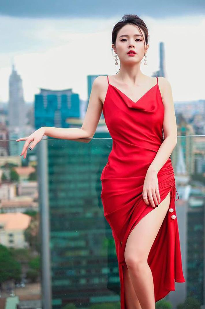 Midu quả là khéo mặc: Một chiếc váy diện đến 6 màu, mix đủ kiểu mà chẳng kiểu nào nhàm - Ảnh 4.