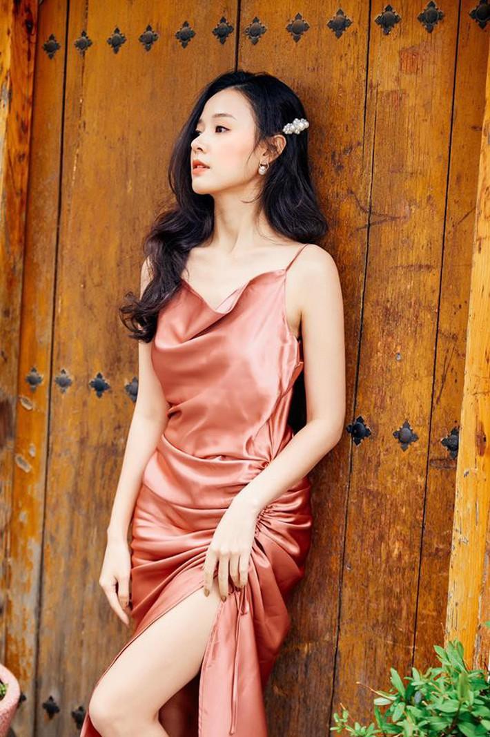 Midu quả là khéo mặc: Một chiếc váy diện đến 6 màu, mix đủ kiểu mà chẳng kiểu nào nhàm - Ảnh 6.