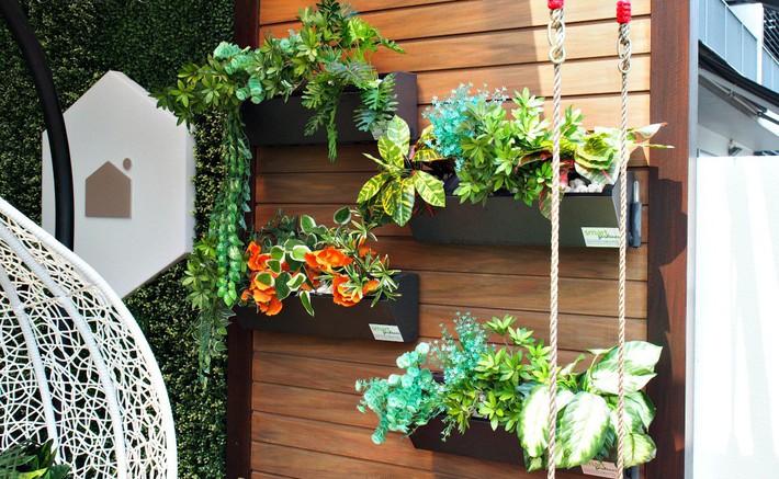 Gợi ý tạo vườn xanh ở ban công với những vật liệu thân thiện với môi trường bất chấp diện tích lớn nhỏ - Ảnh 1.