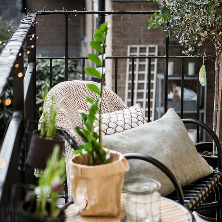Gợi ý tạo vườn xanh ở ban công với những vật liệu thân thiện với môi trường bất chấp diện tích lớn nhỏ - Ảnh 4.